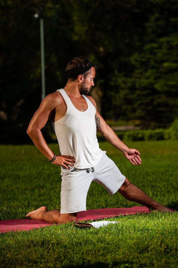 Elokuussa järjestetään suosittu joogan pitkä aloituskurssi jälleen. Kiinnostuitko?